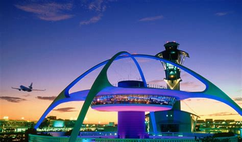Uber Finally Arrives at LAX (But After Lyft Gets There First)