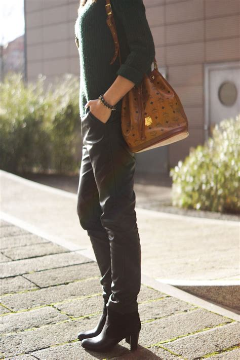 4 Days 4 Ways: How to wear Leather Baggy Pants 3