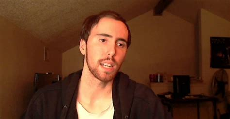 How Much Money Asmongold Makes On Twitch - Net Worth - Naibuzz