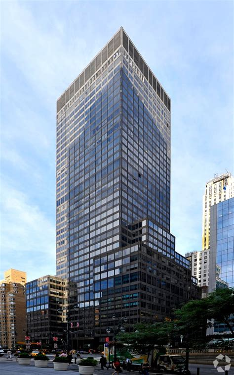 PwC Expands NYC Presence With 240K Square Feet at 90 Park