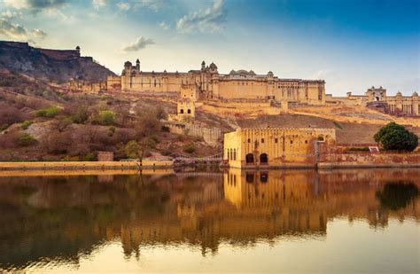 13 Top Jaipur Attractions and Places to Visit