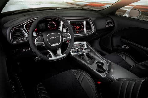 2020 Dodge Challenger SRT Hellcat Coupe Interior Review