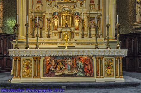 southern orders: NO TO THE BENEDICTINE ALTAR ARRANGEMENT