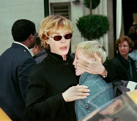 Jessica Lange Says Tearful Good-bye to Kids Pictures