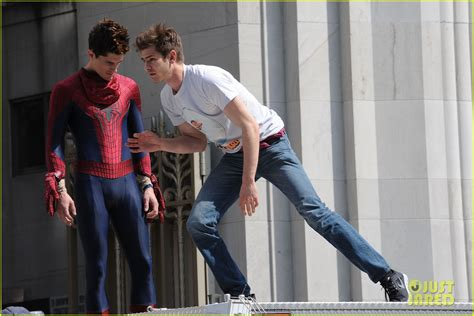 Andrew Garfield Plays with Kids on 'Amazing Spider-Man 2