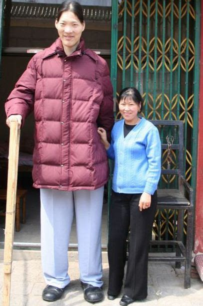 Death of the World's Tallest Woman At 40 - Hosbeg