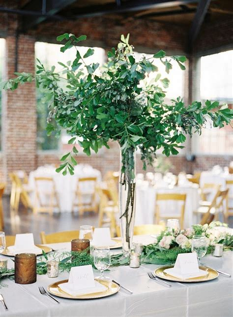 Trending-20 Chic White and Green Wedding Centerpiece Ideas