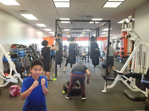 SpaceTogether | 24 hour gym fully equipped for boxing