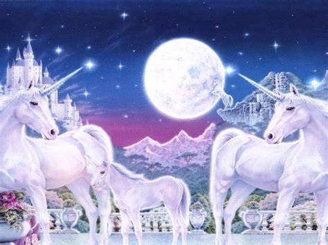 In The World Of Unicorn Family Royal Gardens, Mountains