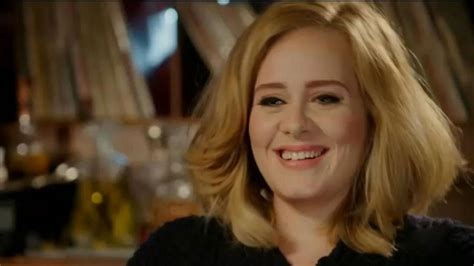 Adele Stuns With 'Hello' and New Single During 'SNL