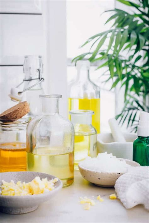 10 Best Natural Face Moisturizers Hiding In Your Pantry
